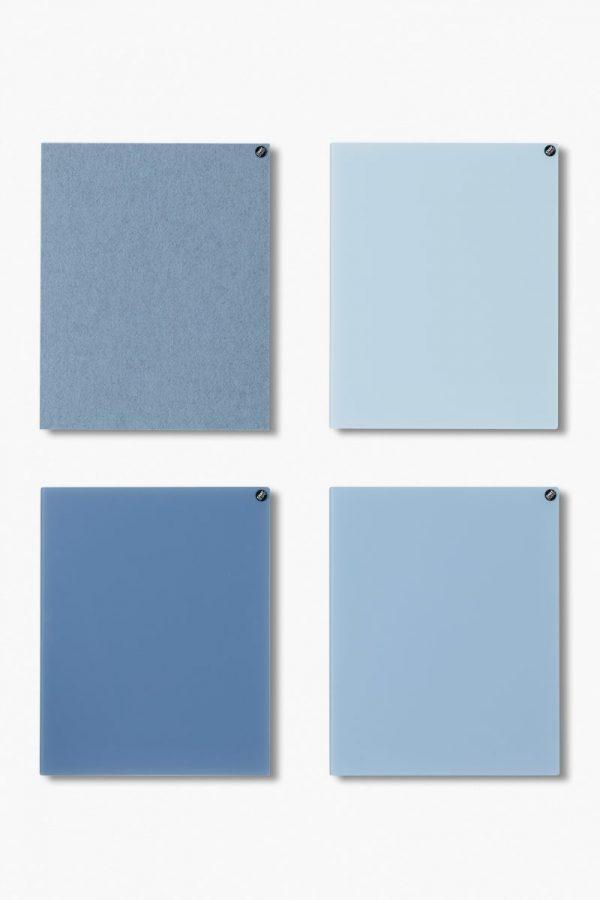 CHAT BOARD BuzziFelt magnetische Pinnwand in der Farbe LIght Blue, mit Classic magnetischen Glastafeln in den Farben Light Blue, Sky Blue and Denim
