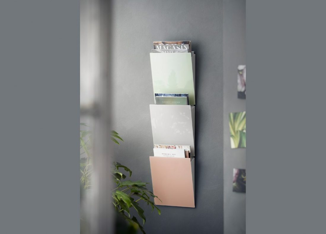 CHAT BOARD Magazine Rack in colours Lily, Sand and Blush