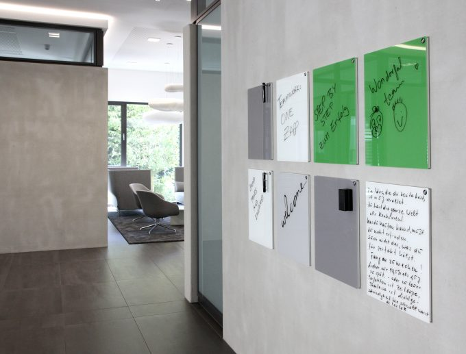 CHAT BOARD Classic boards in 40x50 cm various colours at HQ of steel manufacturer designed by christofheinze