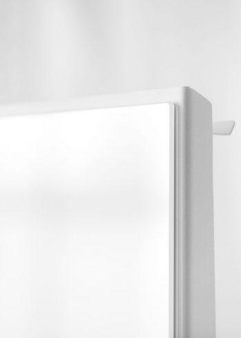 CHAT BOARD Mobile Pure White corner detail
