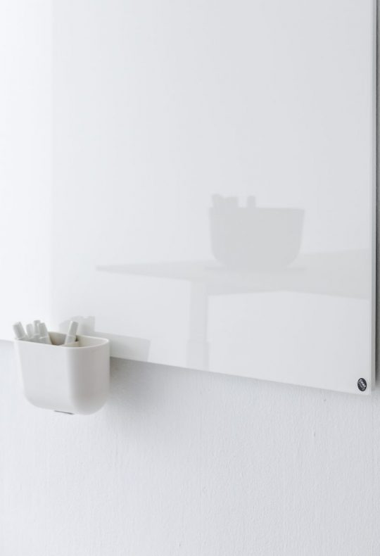 CHAT BOARD Storage Unit Hanger in White shown on Classic in Pure White with reflection of Table Top