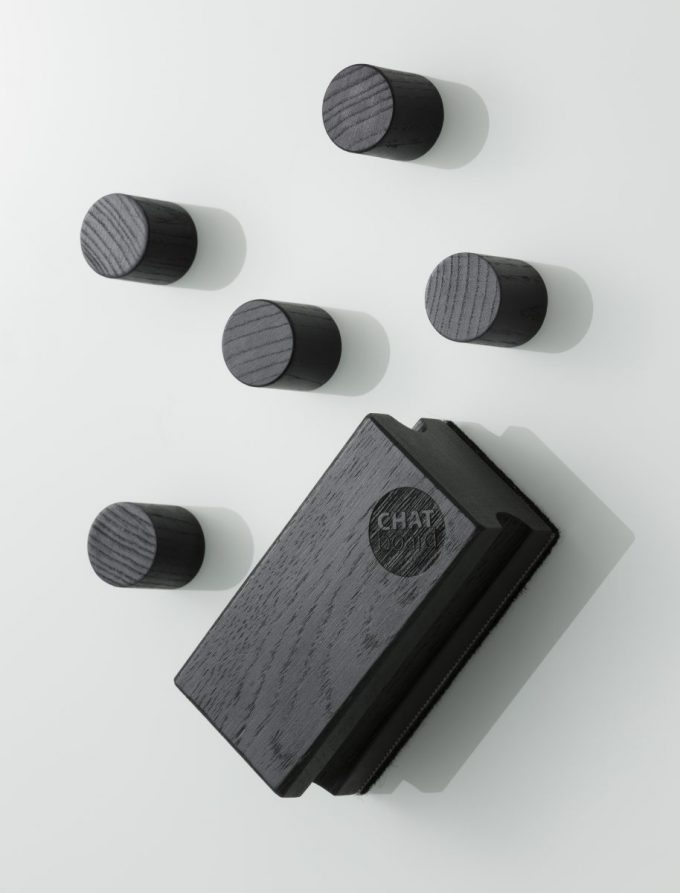 CHAT BOARD Woody Eraser and Magnets in black stained ash on Pure White Classic